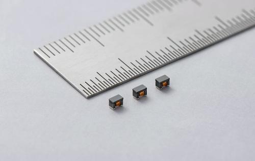 2.0mm×1.2mm×1.2mmと小さい車載PoC向け巻線型インダクター