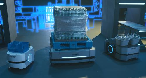 新しい自動搬送ロボット用の管理ソフトウエアには、異なる機種のオムロン製ロボットの動きを一括で制御する機能などを追加した