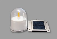 ソーラーパネルで充電する「ソーラー式灯籠用LED灯火」(資料:エーシック)