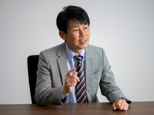 太陽誘電<br>新事業推進室 課長<br>椿原潤吾氏