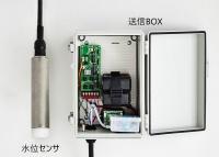 工事用ICT簡易無線水位計。センシングには横河電機の技術を活用している(画像提供:アムニモ)