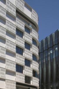 ジクロス銀座ジェムスでの施工例(画像提供:小松物産)