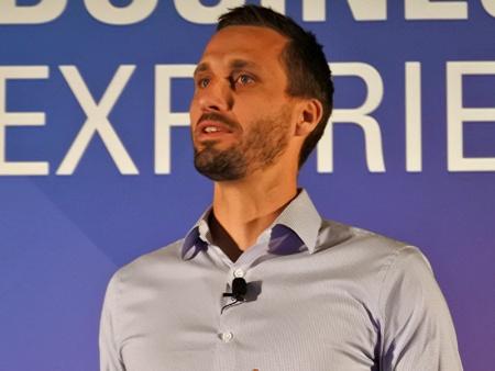米オラクル AI Apps(Adaptive Intelligent Apps)製品管理担当バイスプレジデントのバスティアーン・ジャンマート氏