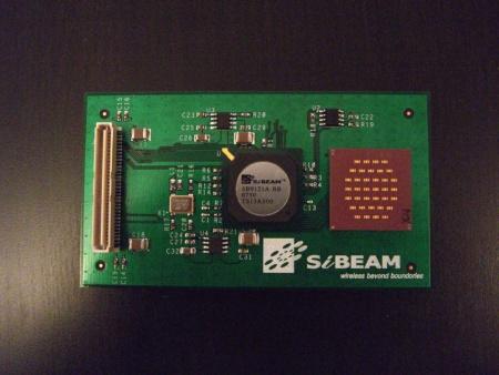 WirelessHDは、60GHzを直接扱うCMOSデバイスとスマートアンテナを組みあわせてビデオ伝送を行うことを計画していた。これは、2008年のCES取材時に撮影したプロトタイプボード