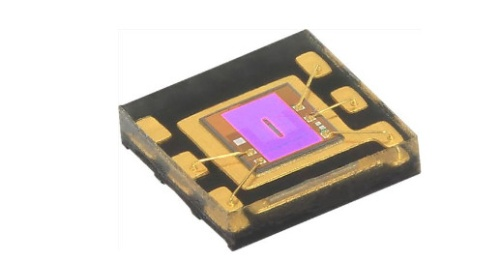 2mm×2mm×0.4mmと小さい環境光センサーIC。Vishay Intertechnologyの写真