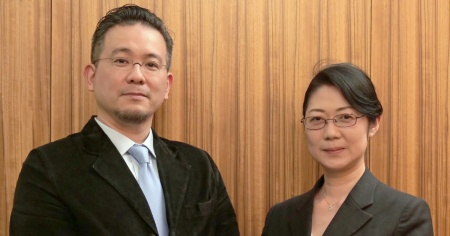 セールスフォース・ドットコムの熊村剛輔氏(左)とNexalの上島千鶴氏